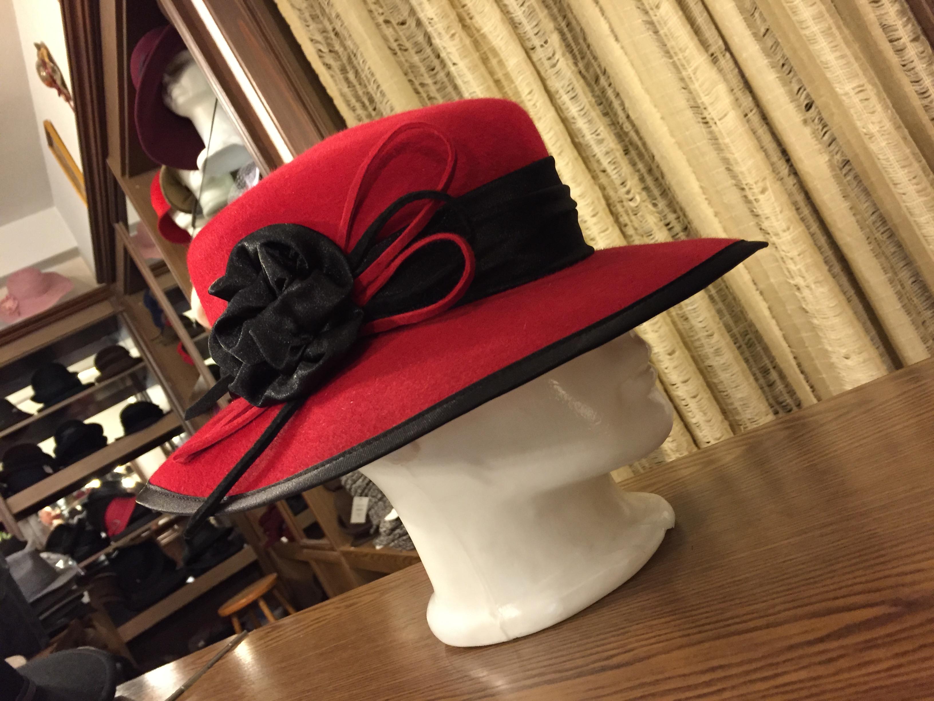 Kalapszalonok Budapesten Judit kalapszalon. Kalapszalon. Női és Férfi  kalapok hatalmas választékban. 627353f5af